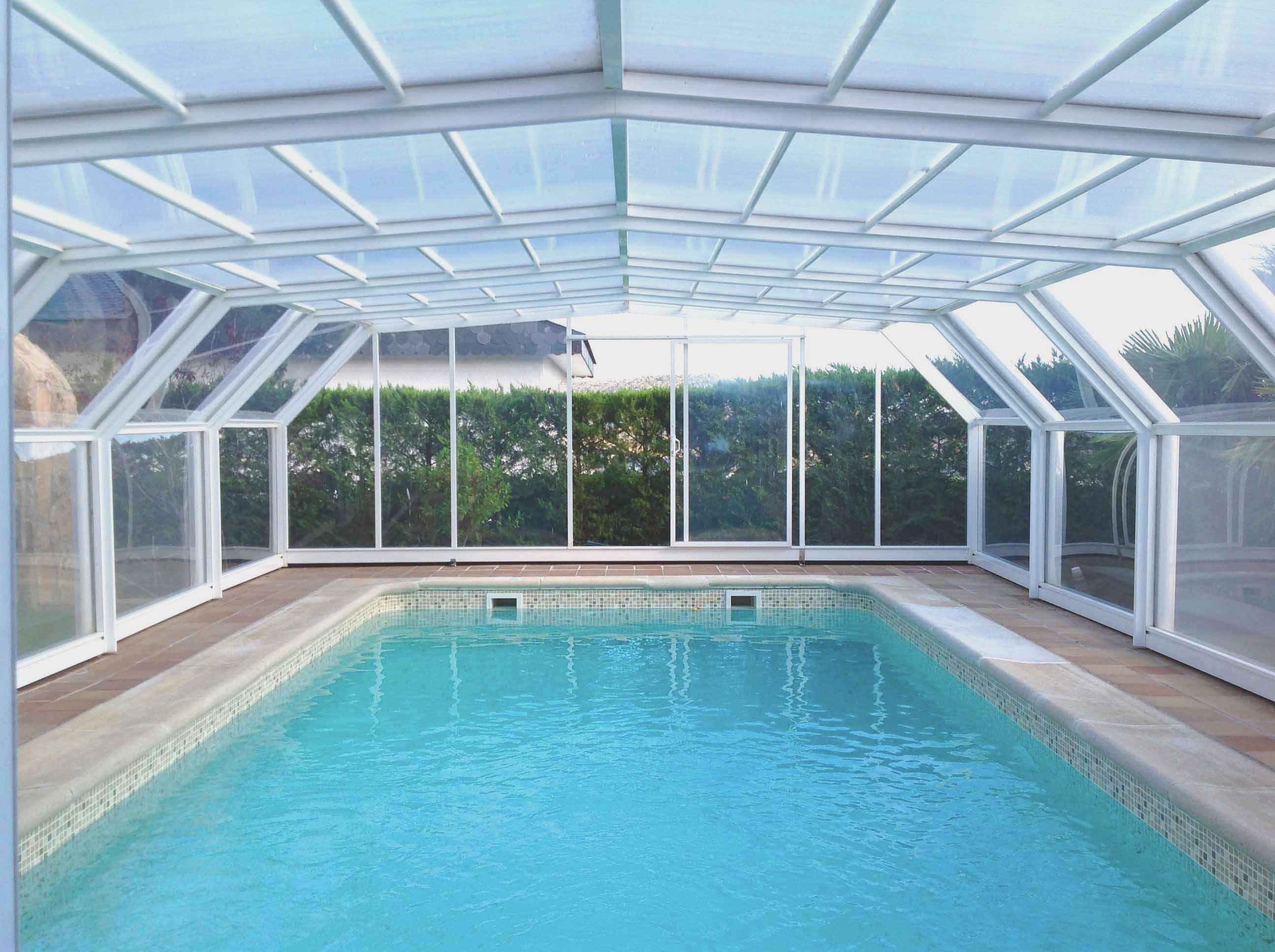 Audio normas que rigen los cerramientos en las piscinas for Cerramientos para piscinas